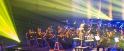 Spectacle d'ouverture des festivités avec l'Orchestre symphonique du 7e art (OSA) et hommage aux bâtisseurs final